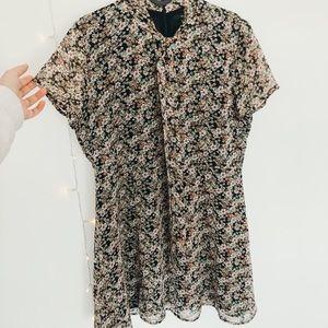 Short sleeve floral dress🌿
